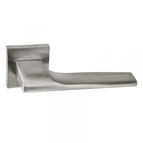 044-13E LUCCA SATIN CHROME LEVER SQ ROSE